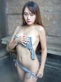 巨胸妹子猩一日本度假写真秀翘臀