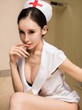 性感美护士阿依努红唇高跟美感十足