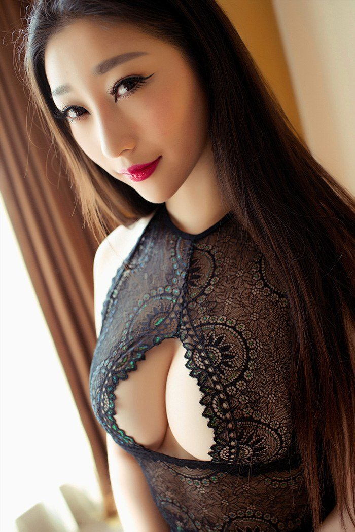 爆乳美少妇妲己蕾丝开胸凹凸有致