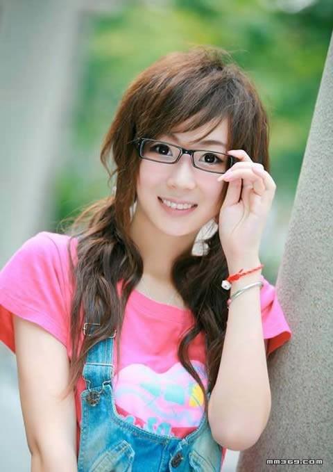 杭州清纯白皙美女外拍