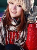 清纯红衣美女之冬日欢乐情怀